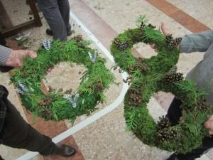 Izdelovanje adventnih venčkov v Šiški, 25. november 2016